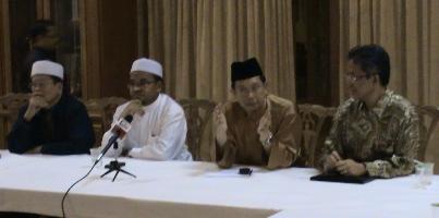 Sidang media di kediaman MB Perak, 11.45 malam 2 Februari 2009
